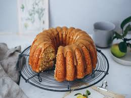 apfelkuchen gugelhupf mit karamellglasur