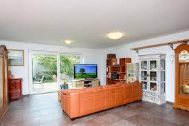 moderne und energieeffiziente doppelhaushälfte zum