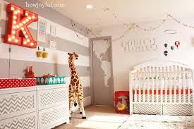 chambré bébé chambre enfant cirque chambres bébé le chambre et peluche girafe