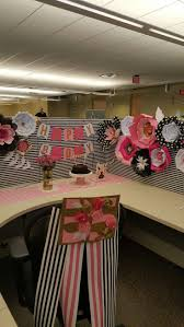 Office Cubicle Halloween Decorating Ideas by Best 25 Office Birthday Decorations Ideas On Pinterest Cubicle