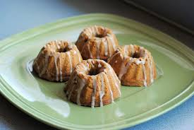 Pumpkin Spice Bundt Cake Using Cake Mix by Pumpkin Spice Mini Bundt Cakes U2013 Diana Dishes