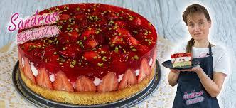 erdbeer quark sahne torte mit pistazien