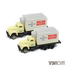 N Scale: IH R-190 Box Delivery Truck - Old Milwaukee Beer - 2 Pack ... Tomytec Nscale Truck Collection Set D Lpg Tanker Gundambuilder N Scale Classic Metal Works 50263 White Wc22 Kraft Finenscalehtml Oxford Diecast 1148 Ntcab002 Scania T Cab Curtainside Ian 54 Ford F700 Delivery Trucks Trainlife Gasoline Tanker Semi Magirus Truck Wiking 1160 Plastic Tender Truckslong Usrapr 484 Northern 1758020 Beer Trucks Athearn 91503c Cseries Cadian 100 Ton N11 Roller Bearing W Semiscale Wheelsets Black 1954 Green Giant 2 Pack 10 Different Ultimate Scale Trucks Bus Kits Most In Orig