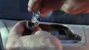 toyota corolla 1999 rear window brake light replace 1993 to 2011