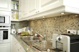 mur de cuisine photo le guide de la cuisine cuisine avec murs tachetés design