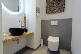 designer gäste wc stagebella moderne badezimmer fliesen grau