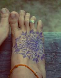 15 Foot Tattoo Designs For Women