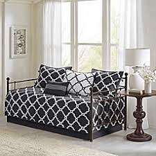 Bed Bath And Beyond Couch Covers by Daybed Covers Daybed Quilts U0026 Bedding Sets Bed Bath U0026 Beyond