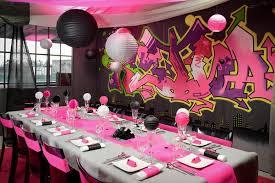 decoration pour anniversaire une décoration de table pour anniversaire à ravir vos invités