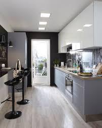 cuisine en longueur aménagement 12 modèles en photos côté maison