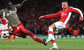 Mangala y el Arsenal, dos nombres relacionados hoy con el Valencia