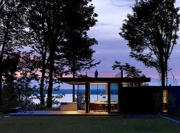 104 Water Front House 10 Front Properties That Speak Nature S Language