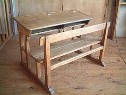 bureau d écolier en chêne et hêtre ancien avec ses encriers en