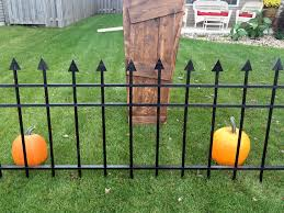 Halloween Graveyard Fence Decoration by Raven Manor Projects Cemetery Gate Fence Diy Halloween Graveyard