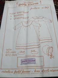 comment faire une robe de chambre n 90 robe de baptême bonnet chaussons adeptes des patrons