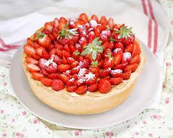 gâteau au fromage blanc et aux fraises et si c était bon
