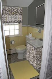 Gray And Yellow Bathroom Decor Ideas by Best 25 Grey Yellow Bathrooms Ideas On Pinterest Yellow