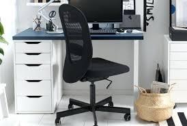 bureau et chaise chaise pivotante de bureau flintan ikea chaise