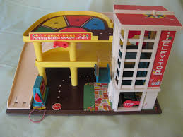 Blast From The Past: The Fisher Price Garage : Pics Vintage 1981 Fisherprice Farm Silo 915 4th Generation Green Joey Arnold Things Steemit Fisher Price Little People Sounds Barn Animals Farmer Playset Timeless Classics Giveaway Fab Toy Lunch Box With Thermos 1962 Price Farm Set On Pinterest Fisher Amazoncom Pop Up Toys Games Early 1960s Circus Ebth 1993 5826 Poppin Pals Tractor Play Family Goodwill Hunting 4 Geeks Pday Friday Week Is A Thing Now Pt1 The Worlds Most Recently Posted Photos By Yelwblossomm Flickr