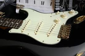 This Guitar Is Modeled After John Mayers Famous The Black One Strat That He Uses On Stage