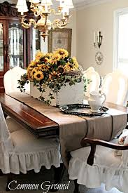 Dining Room Table Centerpiece Images by Best 25 Formal Dining Table Centerpiece Ideas On Pinterest