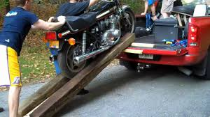 100 Truck Bed Motorcycle Lift How Not To Load In A Pick Up Truck