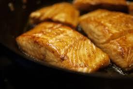 cuisiner pavé de saumon poele recette pavés de saumon teriyaki saumon sucré salé