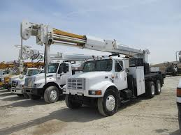 100 Derrick Truck ALTEC D3050T DIGGER DERRICK SN 1197CA0205 MOUNTED ON 1998