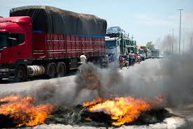 100 Truck Strike Brazil Shut Down By Ers Mass Or Lockout