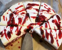 schnelle saftige schoko kirsch nuss torte kuchen mit häubchen