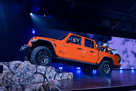 100 Jeep Gladiator Truck 2020 Debuts Not Just A Wrangler Pickup Truck