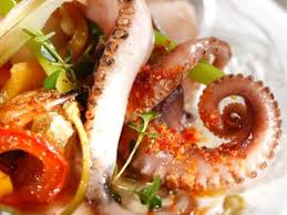 cuisiner le poulpe poulpe à la galicienne facile et pas cher recette sur cuisine