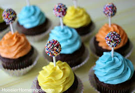 CHOCOLATE CUPCAKE RECIPE These FUN cupcakes are the perfect Kid s Birthday Cupcakes they