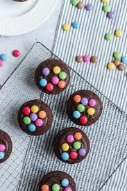 schoko nuss muffins mit smarties