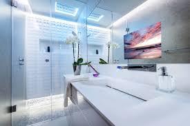 tv dans cuisine glass tv intégrée glassconcept miroiterie vitrerie