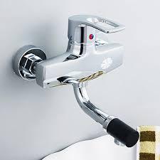 montage robinet cuisine robinet de cuisine contemporaine en laiton avec bec orientable à