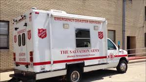 100 Salvation Army Truck SALVATION ARMY EMERGENCY DISASTER SERVICES UNIT 11 FROM WESTERN