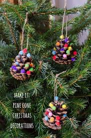 Pine Cone Christmas Tree Ornaments Crafts by 65 Best Emerald Green Christmas Images On Pinterest Bedroom