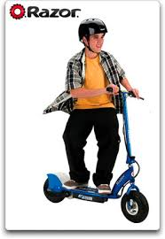 Also It Is Very Fast The Speed Can Reach 15 Mph You Will Love E300 Razor Scooter Have A Fun Time Riding Around