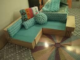 dollhouse sofa with jenga sticks das polly pocket