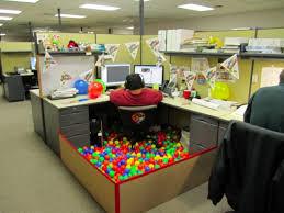 blague faire au bureau images blague au bureau