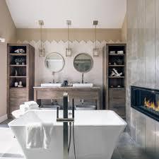 75 badezimmer mit schränken im used look und keramikfliesen