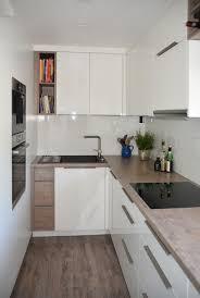 küche in l form mit acrylglasfront contemporary kitchen