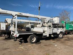 75' Altec LRV60/70 Bucket Truck : Bucket Trucks 2012 Used Ford F450 F3504x2 V8 Gasaltec At200a Boom Bucket Altec At37g Bucket Truck Crane For Sale Or Rent Boom Lifts Christmas Decorations Made Easy With Trucks From Southwest Asplundh Bucket Truck Model Woodchuck Chipper Lrv56 Tree 2007 Chevrolet C7500 Ta41m For Sale Youtube Atlas 2548636 Hydraulic Lift Cylinder 19 L Digger Intertional 4300 2010 7400 4x4 Ta55 60 F550 Ta37mh C284 2011 Kenworth T370 46 Big 2016 Freightliner Altec Auction