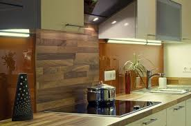 küchenrückwand aus holz statt fliesenspiegel 20 ideen und