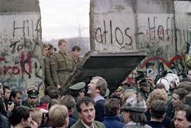 Huckleberry Railroad Halloween by Fall Of The Berlin Wall November 1989 Via Reddit U2013 History