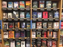 Amazon Books vs Barnes & Noble photos details Business Insider