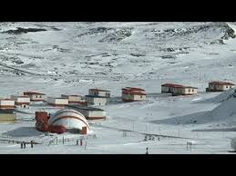 104 Antarctica House In A Town That Thrives Despite The Shivers Youtube