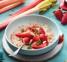 porridge mit erdbeer rhabarber kompott