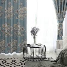 landhaus vorhang modern blumen muster im schlafzimmer